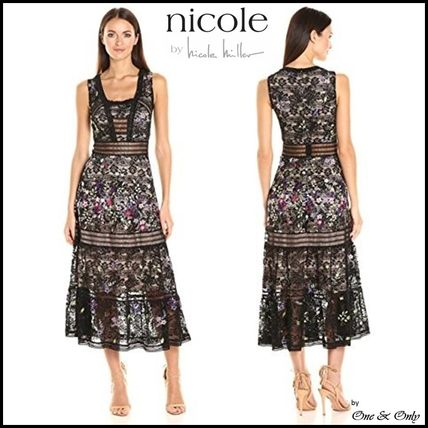 Nicole Miller Flower Patterns Sleeveless Flared Long Lace Party Dresses