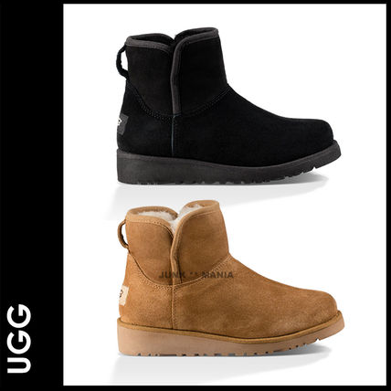 And UGG kids /KATALINA adults and put it