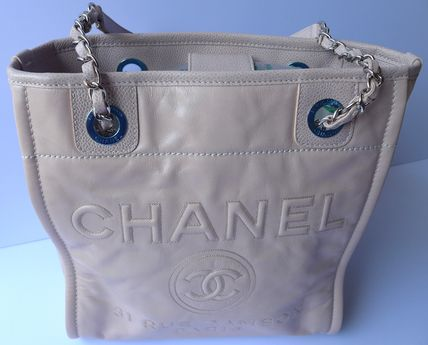 CHANEL Totes Casual Style Leather Totes 6