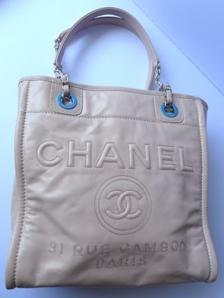 CHANEL Totes Casual Style Leather Totes 9