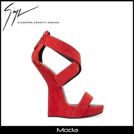 High heeled red