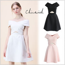 Chicwish Flared V-Neck Plain Medium Party Dresses