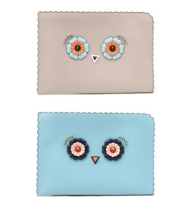 Hypnoteyes Leather Clutch (Powder Blue/Beige)