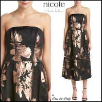 Nicole Miller Flower Patterns Flared Medium Party Dresses