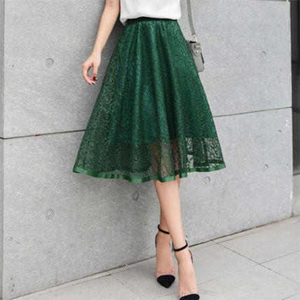 Chic lace flare skirt