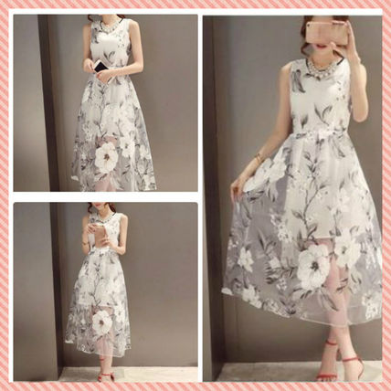 White flower dress to a wedding