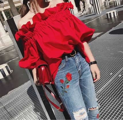 Off the shoulder volume sleeve Conscious frill blouse