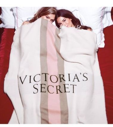 Victoria ' s Secret THROW BLANKET blanket