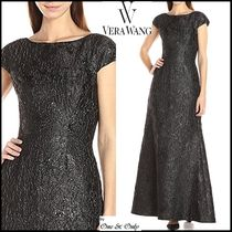 Vera Wang Maxi Puffed Sleeves Boat Neck Plain Long Lace Party Dresses