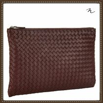 BOTTEGA VENETA Unisex A4 Plain Leather Clutches