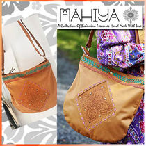 MAHIYA Casual Style Blended Fabrics Leather Shoulder Bags