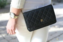 CHANEL CHAIN WALLET Calfskin Leather Party Style Crossbody Party Bags