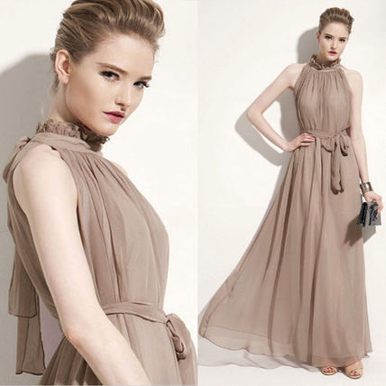 Chiffon long dress with ornate appearance