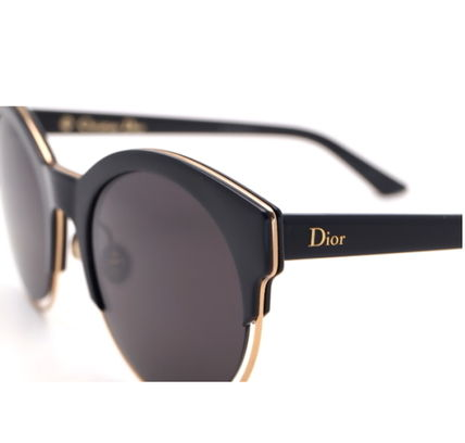 ef63e3aad46 Christian Dior 2019 SS Sunglasses by kiaraninth - BUYMA