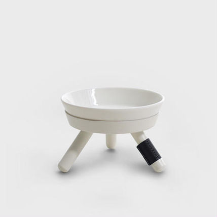 The Oreo table (white) small dogs only kitchen units