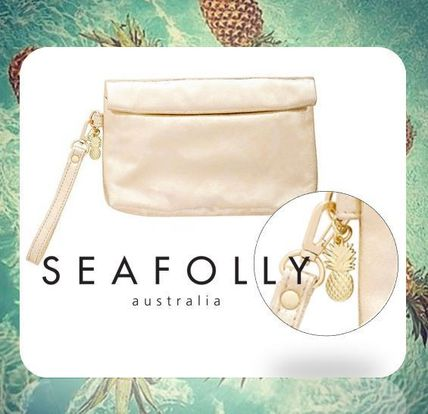Pouches & Cosmetic Bags
