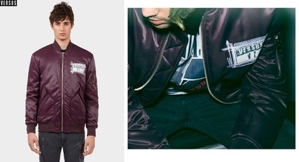 ZAYNxVERSUS logo patch bomber jacket Bordeaux
