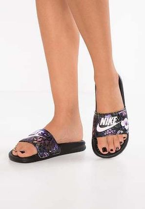 df77769654da ... Nike Flat Tropical Patterns Casual Style Street Style Shower Shoes 10  ...