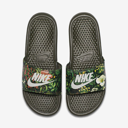 529ee0d3af91 ... Nike Flat Tropical Patterns Casual Style Street Style Shower Shoes 6 ...