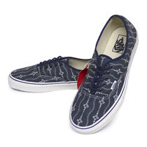 VANS AUTHENTIC Deck Shoes Loafers & Slip-ons