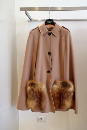 NOVAK WEEKEND Fox fur pocket cape