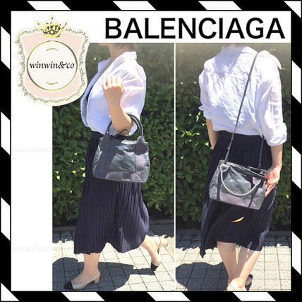 Leather tote gray
