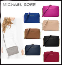 Michael Kors JET SET TRAVEL Saffiano Plain Shoulder Bags