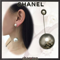 CHANEL ICON Costume Jewelry Chain Elegant Style Earrings