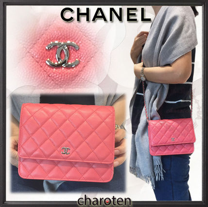 CHANEL Shoulder Bags Pink/SHW Caviar Skin Classic Quilted Wallet On Chain