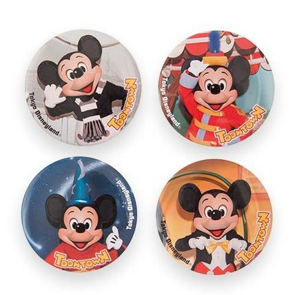 TDL Mickey's House and meet Mickey badge set