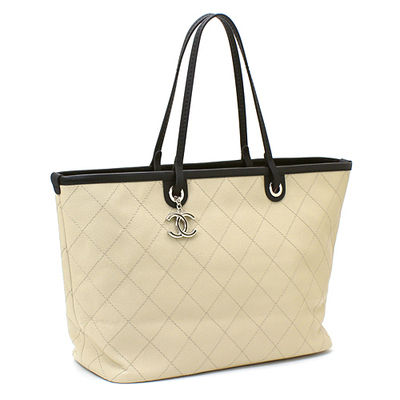 CHANEL Totes A4 Plain Leather Elegant Style Totes