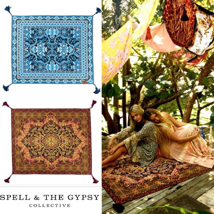 THE GYPSY carrying strap with picnic rug