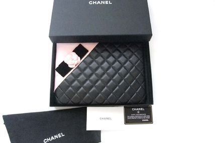 CHANEL Clutches Lambskin Bag in Bag Elegant Style Clutches 8
