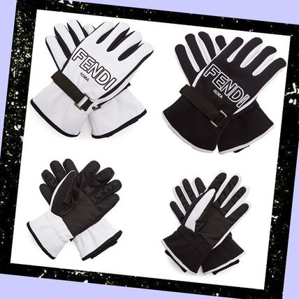 18 AW logo with gloves