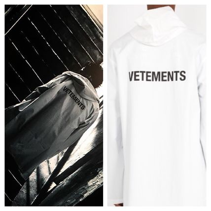 VETEMENTS Plain Long Coats