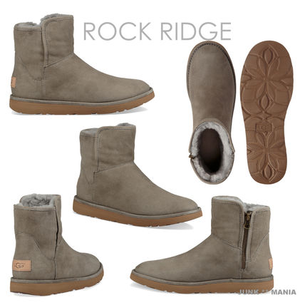 UGG Australia Ankle & Booties Plain Toe Casual Style Sheepskin Plain Ankle & Booties Boots 9
