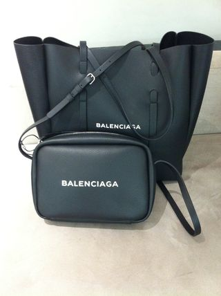 BALENCIAGA Totes Unisex Leather Totes 8