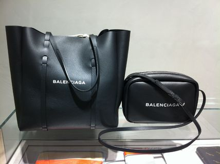 BALENCIAGA Totes Unisex Leather Totes 9