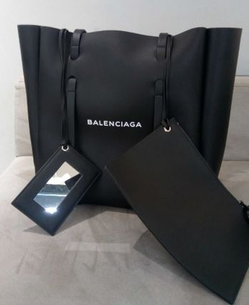BALENCIAGA Totes Unisex Leather Totes 2