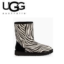 UGG Australia CLASSIC SHORT Round Toe Casual Style Fur Other Animal Patterns