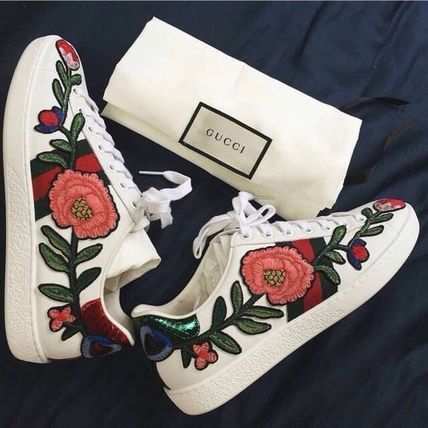 GUCCI Flower Patterns Round Toe Rubber Sole Casual Style