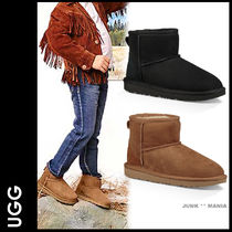 UGG Australia Plain Toe Casual Style Sheepskin Plain Ankle & Booties Boots