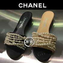 CHANEL Open Toe Plain With Jewels Elegant Style Slippers Sandals
