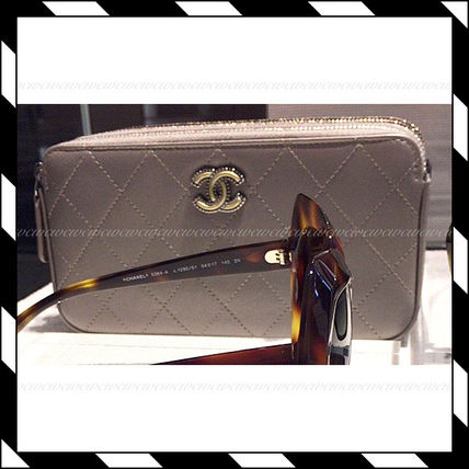 CHANEL Clutches Chain Plain Elegant Style Clutches 4