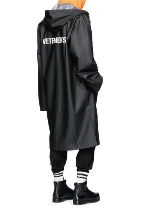 VETEMENTS Unisex Long Coats