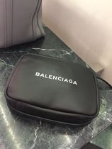 BALENCIAGA EVERYDAY TOTE Casual Style 2WAY Plain Leather Clutches