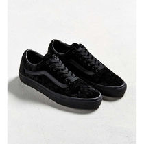 Urban Outfitters Unisex Velvet Collaboration Sneakers