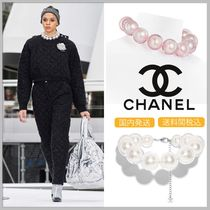 CHANEL 17/18 AW large pink/white faux pearl necklace