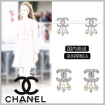 CHANEL 17/18 AW pearl with CC logo drop earrings