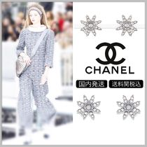 CHANEL Snow shape with silver & pink gray clip on earrings